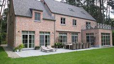 Farmhouse Style Homes Exterior Design Ideas - New Decoration Types Of Architecture, Residential Architecture, Stommel Haus, Stucco Homes, Farmhouse Renovation, Belgian Style, Home Additions, Exterior Design, Farmhouse Style