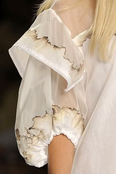 // fendi, S/S this aint haute couture its hot couture Haute Couture Style, Couture Details, Fashion Details, Fashion Week, Runway Fashion, Fashion Art, High Fashion, Womens Fashion, Fashion Design