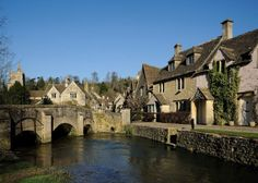 Village of Castle Combe in Cotswolds in England. Cotswolds extend SW from Stratford on Avon to Bath Cotswold Villages, Castle Combe, Castles In England, England And Scotland, English Countryside, Best Cities, Architecture, Small Towns, Places To See