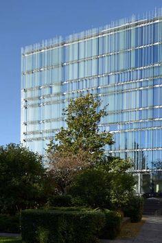 Société Privée de Gérance HQ by GIOVANNI VACCARINI &associati in Geneva, Switzerland