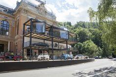Mezinárodní filmový festival Karlovy Vary 2016 utekl jako voda. Posíláme jednu fotku z BMW Lounge :) Lounges, Raspberry, Bmw, Mansions, Film, House Styles, Home Decor, Movie, Decoration Home