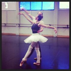 #sacramentos favorite #ballerina Kirsten Bloom Allen is back at the #sacballet studios rehearsing as the Sugar Plum Fairy! Don't miss her performances in the Nutcracker - dates to be announced soon! #ballet #dance #local #celebrity #mom #family #return #n