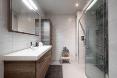 Middelkoop Culemborg / Badkamers) Deze badkamer geeft een eigen ...