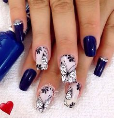 Butterflies on the nails - an interesting manicure design Butterfly Nail Designs, Gel Nail Art Designs, Pink Nail Art, Flower Nail Art, Manicure And Pedicure, Gel Nails, Nail Nail, Cute Nails, Pretty Nails