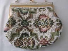 15-0909 Vintage 1960's Beaded Bag / Made In Hong by CajunRabbit