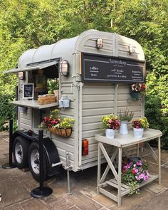 Niederman Farmily Farm offers farm tours, fall festival, paintball and Cincinnat… Coffee Food Truck, Mobile Coffee Shop, Mein Café, Coffee Trailer, Coffee Van, Food Truck Business, Flower Truck, Food Truck Design, Coffee Carts