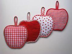 Tuto couture : DIY les maniques en forme de pomme. Tuto gratuit, en français. Très pratique pour un atelier couture et pour la cuisine.
