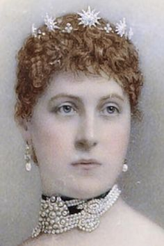 Mais British Royal Tiaras - The Tudors Wiki