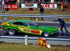 Boston Shaker Funny Car Funny Looking Cars, Funny Cars, Nhra Drag Racing, Auto Racing, Top Fuel Dragster, Cool Old Cars, Top Cars, Drag Cars, Vintage Humor