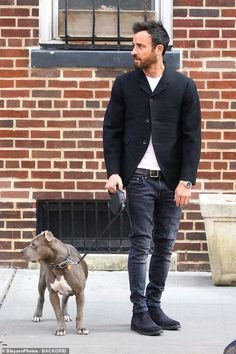 Justin Theroux looks downcast while walking his dog in New York City Justin Theroux, New York City, York Uk, Casual Outfits, Men Casual, Casual Wear, Man And Dog, Mens Fashion Suits, Male Fashion