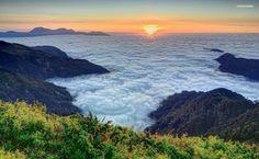 Fantastic sea of clouds HD Wallpaper