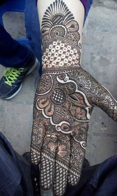 Arabic Mehndi designs for Hands - Check out 20 best Arabic Mehndi designs for brides. Try these Mehndi designs for the wedding functions and you will love it. Latest Arabic Mehndi Designs, Mehndi Designs 2018, Stylish Mehndi Designs, Wedding Mehndi Designs, Mehndi Design Pictures, Mehndi Designs For Hands, Latest Mehndi, Mehndi Images, Arabic Design