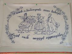Ennek a kislánynak. Wall Carpet, Retro, Carpets, Home Decor, Embroidery, Tricot, Rugs, Decoration Home, Interior Design