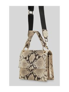 Buy the manage using your product using our extremely versatile roundup of top-handle luggage. Cute Purses, Purses And Bags, Luxury Bags, Small Bags, Leather Bag, Leather Craft, Lady, Outfit, Gold
