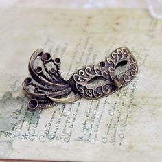 Vintage Mask Shape Alloy Brooch, AS THE PICTURE in Brooches | DressLily.com