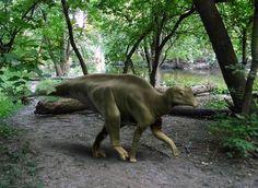 2)Image: Parasaurolophus