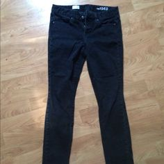 Gap black always skinny jeans Only worn a few times! Size 29R GAP Jeans Skinny