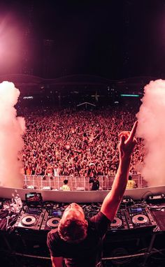 Armin van Buuren presents - A State Of Trance Episode 934 - music/song added under genre of Trance Armin Van Buuren, House Music, Recital, Techno, Playlists, A State Of Trance, Dj Setup, Trance Music, Music Fest