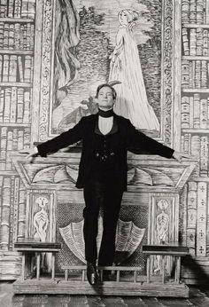 Jeremy Brett on the Dracula set designed by Edward Gorey