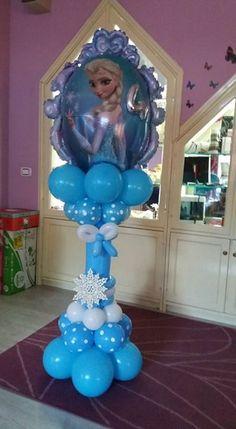 Elsa Birthday Party, Frozen Birthday Theme, Frozen Theme Party, Birthday Balloons, Birthday Party Decorations, Frozen Balloon Decorations, Frozen Balloons, Minnie Mouse Balloons, Balloon Centerpieces