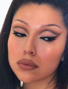 makeup products make up 90s Makeup Look, Edgy Makeup, Makeup Eye Looks, Creative Makeup Looks, Eye Makeup Art, Cute Makeup, Pretty Makeup, Simple Makeup, Skin Makeup