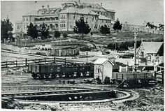 Katoomba Railway Station with Carrington Hotel Carrington showing FC… Blue Mountains Australia, Mountain City, Sydney City, City Library, Train Pictures, Historical Pictures, Grand Hotel, Beautiful Buildings, Landscape Photos