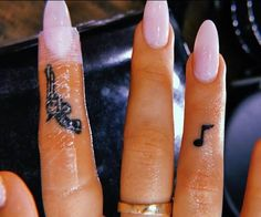 Tiny musical note on Alexis Ren& right ring finger. - Tiny musical note on A . - Tiny musical note on Alexis Ren& right ring finger. – Tiny musical note on Alexis Ren& - Tiny Finger Tattoos, Finger Tattoo Designs, Finger Tats, Tattoo Finger, Finger Tattoo For Women, Womens Finger Tattoos, Finger Piercing, Finger Tattoos Words, Hand Tattoos For Women