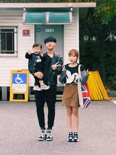 Hong Young Gi with her family