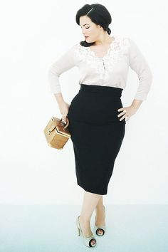 This outfit and that woman are both gorgeous. Caro Emerald. Dutch jazz singer.