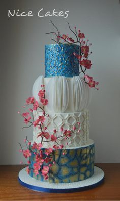 Modern blue and white cake by Nice Cakes