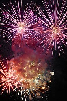 Penny Lisowski - Smoky - Fireworks and Moon