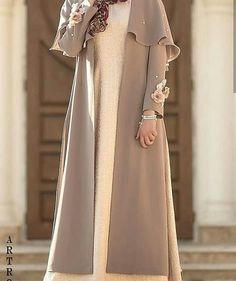 Modest Fashion Hijab, Abaya Fashion, Fashion Dresses, Mode Abaya, Mode Hijab, Moslem Fashion, Iranian Women Fashion, Stylish Clothes For Women, Designs For Dresses