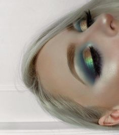 27a2dd29281 Check this out. #makeupideasforblondes Mermaid Eye Makeup, Teal Eye Makeup,  Teal Eyeliner