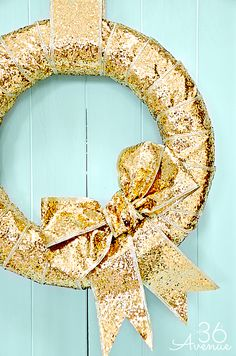 Gold Wreath Tutorial at the36thavenue.com + tons of sparkling New Years Ideas!