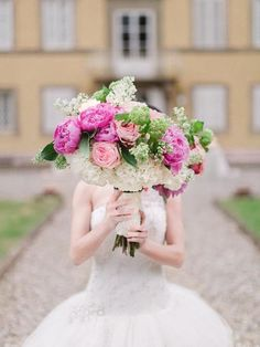 Hot pink with soft pink bridal bouquet cindysalgado.com | Tuscany Wedding Planning | Destination Weddings in Italy | Cindy Salgado Events and Design | Adrian Wood Photography