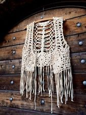 Bohemian Crochet Fringe Hippie Top Medium Cream Knitted Vest Crop Source by Crochet Fringe, Crochet Art, Crochet Motif, Crochet Shawl, Crochet Hooks, Crochet Patterns, Hippie Top, Hairpin Lace Patterns, Crochet Clothes