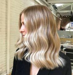Blonde Hair Looks, Blonde Hair With Highlights, Balayage Hair Blonde, Brown Blonde Hair, Mid Length Blonde Hair, Blonde Balayage Mid Length, Cream Blonde Hair, Sandy Blonde Hair, Honey Balayage