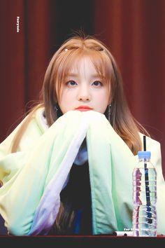 I love her Kpop Girl Groups, Korean Girl Groups, Kpop Girls, U Go Girl, Extended Play, K Idol, Soyeon, Ulzzang Girl, Neverland