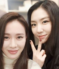 Female Actresses, Korean Actresses, Korean Actors, Korean Star, Korean Girl, Seo Ji Hye, Quotes Drama Korea, Hyun Bin, Family Over Everything