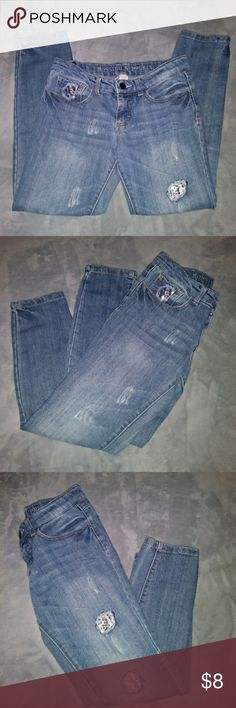 🎃SKINNY Jeans 🎃 Everything with the 🎃🎃 is buy one get one free bundle your items and i will adjust the price  Mossimo Supply co jeans size 12 In great condition no rips no stains Mossimo Supply Co. Bottoms Jeans