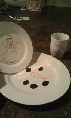 Sharpie permanent dish Sharpie, Plates, Dishes, Sewing, Tableware, Crafts, Green, Rompers, Xmas