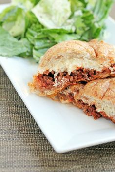 Lasagna Buns - I love getting creative with spaghetti sauce type meals + the meat mixture is freezer friendly! | 5 Dollar Dinners