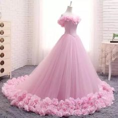 Romantic Pink Rose Wedding Dress Princess Ball Gown Quinceanera Debutante Gown G… Romantische rosa Rose Hochzeitskleid Prinzessin Ballkleid Quinceanera Debütantin Kleid Mädchen Sweet 16 Kleid Cute Prom Dresses, Pink Wedding Dresses, Sweet 16 Dresses, Black Prom Dresses, Princess Wedding Dresses, Ball Dresses, Elegant Dresses, Pink Ball Gowns, Pink Princess Dress