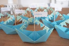 If a paper boat needs, I am now an expert in folding ☝️. Fotos Baby Shower, Baby Shower Niño, Baby Shower Backdrop, Baby Shower Brunch, Baby Shower Balloons, Baby Shower Cards, Baby Shower Parties, Surprise Party Invitations, Diy Invitations