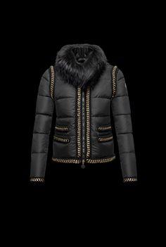 Collezione Piumini Moncler 2014 uomo donna FOTO  moncler  abbigliamento   autumnwinter  autumnwinter2014  moda2014  clothes  dress  fashion   collection ... 7539c840e584