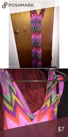 No boundaries junior size M chevron maxi dress $7 Lovely and adorable maxi dress. Bright chevron print. Soft and comfortable. Perfect for summer. About 54 inches in full length. 44 inches from armpit. Sleeveless fit. Detailed back. Bra cups are lined. Worn twice. Great condition. Accepts reasonable offers. trades or holds please. No Boundaries Dresses Maxi