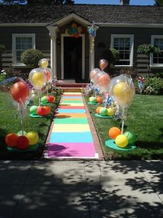 kids birthday party - great way to make an entrance! How would this be done in January, lol, hmmmm. Maybe have a summer party. ..