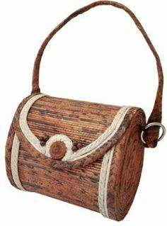 Cestería en papel de periódico (cestería china) Newspaper Bags, Newspaper Basket, Newspaper Crafts, Recycled Paper Crafts, Recycled Magazines, Rope Crafts, Paper Purse, Bead Embroidery Jewelry, Art N Craft