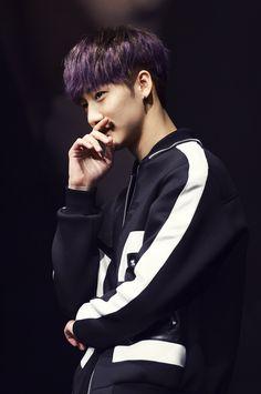 Jihun, if you can share with Youjin then you can be my bias too (: #KNK #Jihun