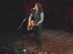 """KT Tunstall ~ """"Black Horse And The Cherry Tree"""", nice live version with a looping machine!"""